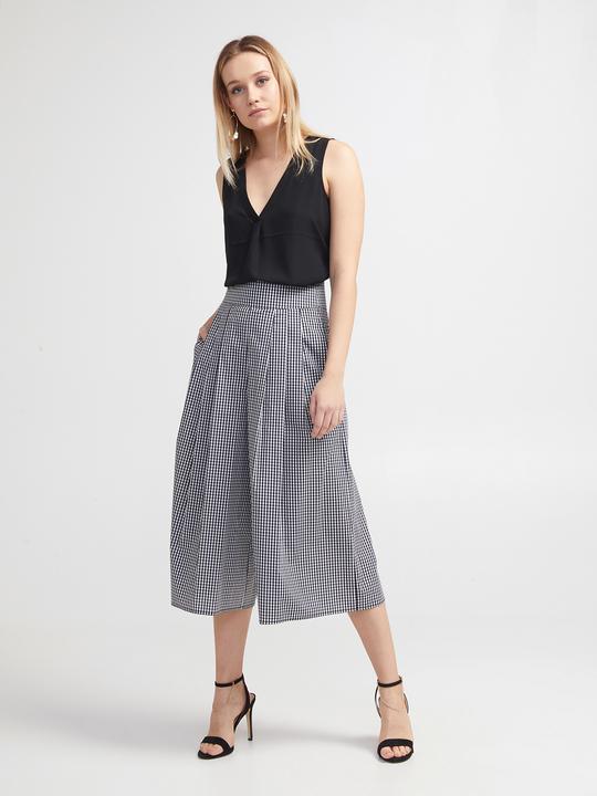 a106e125b7d7f7 Women's Cropped Trousers Online | Motivi.com - GB
